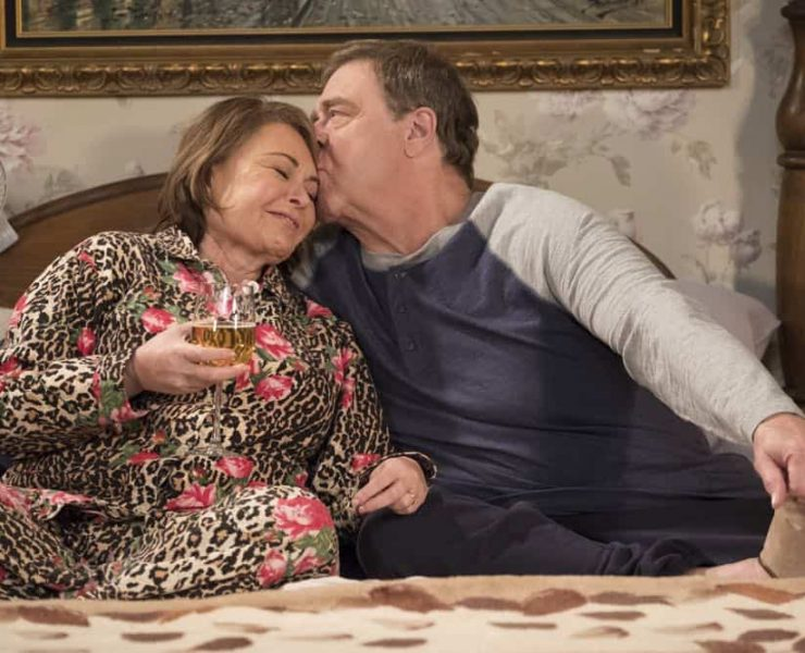 """ROSEANNE - """"Knee Deep"""" - Roseanne's knee gets worse so Dan is forced to a make an important work decision; but when a major storm hits Lanford, their fortunes change for the better. Later, Darlene realizes she has to go back to her first passion . writing, on the ninth episode and season finale of the revival of """"Roseanne,"""" TUESDAY, MAY 22 (8:00-8:30 p.m. EDT), on The ABC Television Network. (ABC/Adam Rose)"""