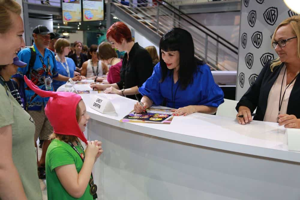DC SUPER HERO GIRLS Comic Con 2018 Signing Photos 5