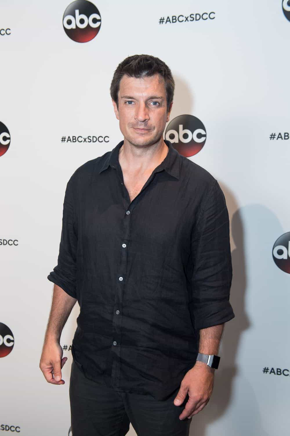 Nathan Fillion THE ROOKIE Comic Con 2018 01