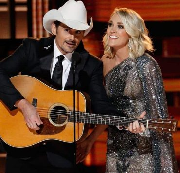 Brad-Paisley-and-Carrie-Underwood-cma-awards