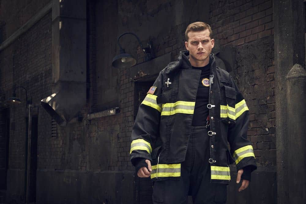 9-1-1: Oliver Stark. CR: Mathieu Young/ FOX. © 2018 FOX Broadcasting.