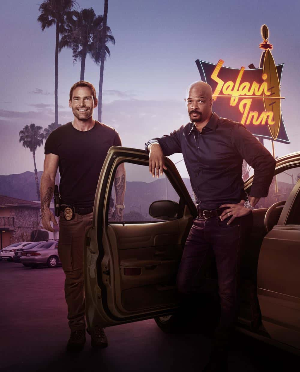 LETHAL WEAPON: L-R: Seann William Scott and Damon Wayans. Season three of LETHAL WEAPON premiers Tuesday, Sept. 25 (9:00-10:00 PM ET/PT) on FOX. ©2018 Fox Broadcasting Co. CR: Peter Yang/FOX