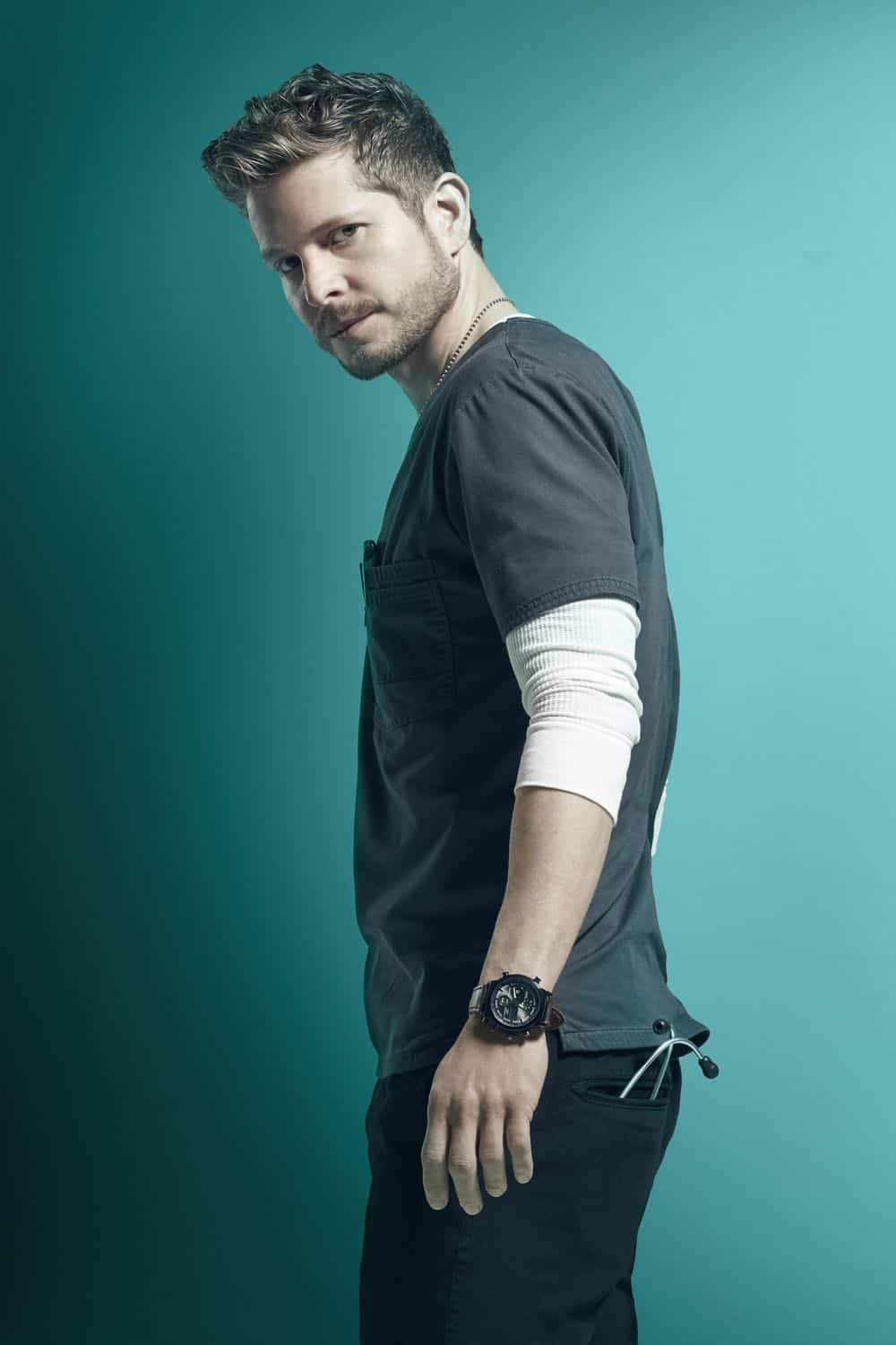 THE RESIDENT: Matt Czuchry as Dr. Conrad Hawkins in the second season of THE RESIDENT premiering Monday, Sept. 24 (8:00-9:00 PM ET/PT) on FOX. ©2018 Fox Broadcasting Co. Cr: Miranda Penn Turin/FOX