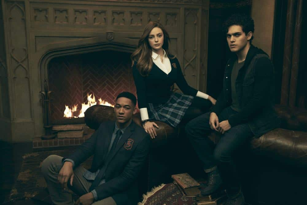 Legacies -- Image Number: LGC1_GROUP_3_0007r.jpg -- Pictured (L-R): Peyton Alex Smith as Rafael, Danielle Rose Russell as Hope, and Aria Shahghasemi as Landon-- Photo: Miller Mobley/The CW -- © 2018 The CW Network, LLC. All Rights Reserved.