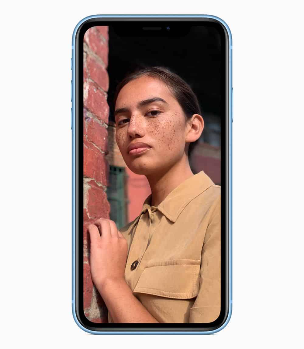 iPhone XR portrait blue 09122018
