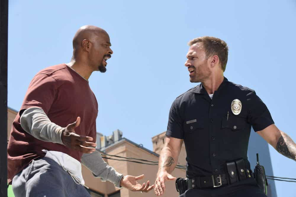 "LETHAL WEAPON: L-R:  Damon Wayans and Seann William Scott in the ""In The Same Boat"" season premiere episode of LETHAL WEAPON airing Tuesday, September 25 (9:00-10:00 PM ET/PT) on FOX. ©2018 Fox Broadcasting Co. CR: Ray Mickshaw/FOX"