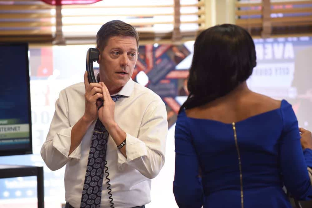 "LETHAL WEAPON: L-R: Kevin Rahm and Keesha Sharp in the ""In The Same Boat"" season premiere episode of LETHAL WEAPON airing Tuesday, September 25 (9:00-10:00 PM ET/PT) on FOX. ©2018 Fox Broadcasting Co. CR: Ray Mickshaw/FOX"