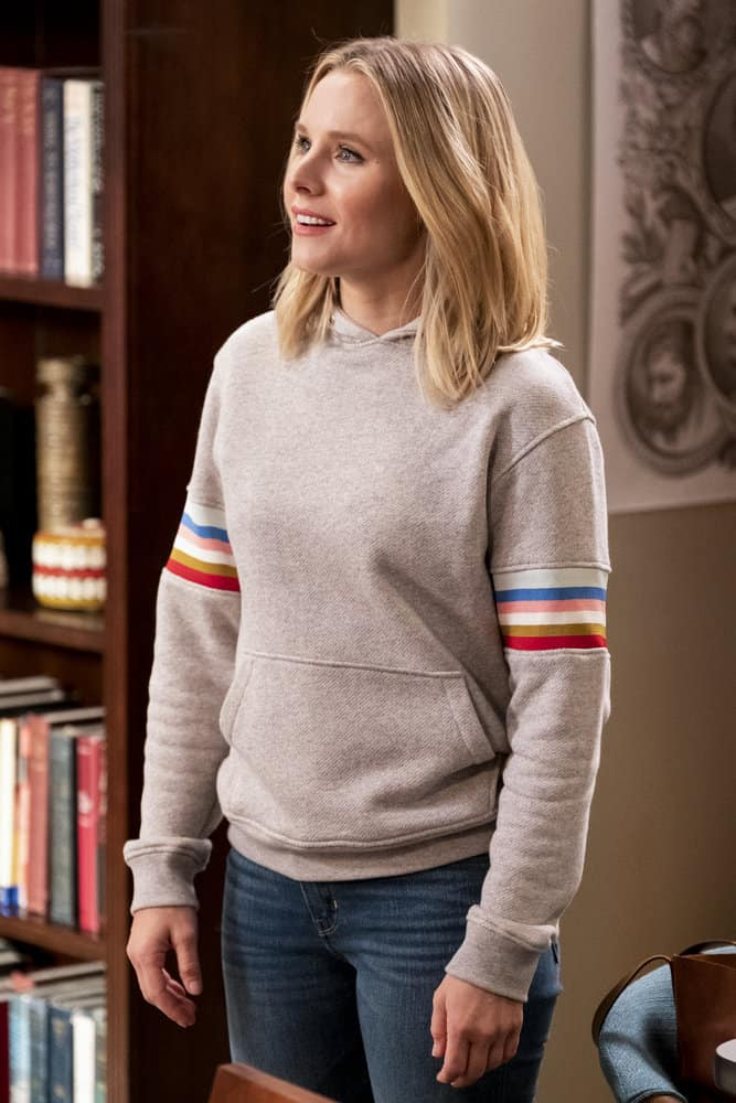 """THE GOOD PLACE -- """"Everything is Bronzer! Pt. 2"""" Episode 302 -- Pictured: Kristen Bell as Eleanor -- (Photo by: Justin Lubin/NBC)"""