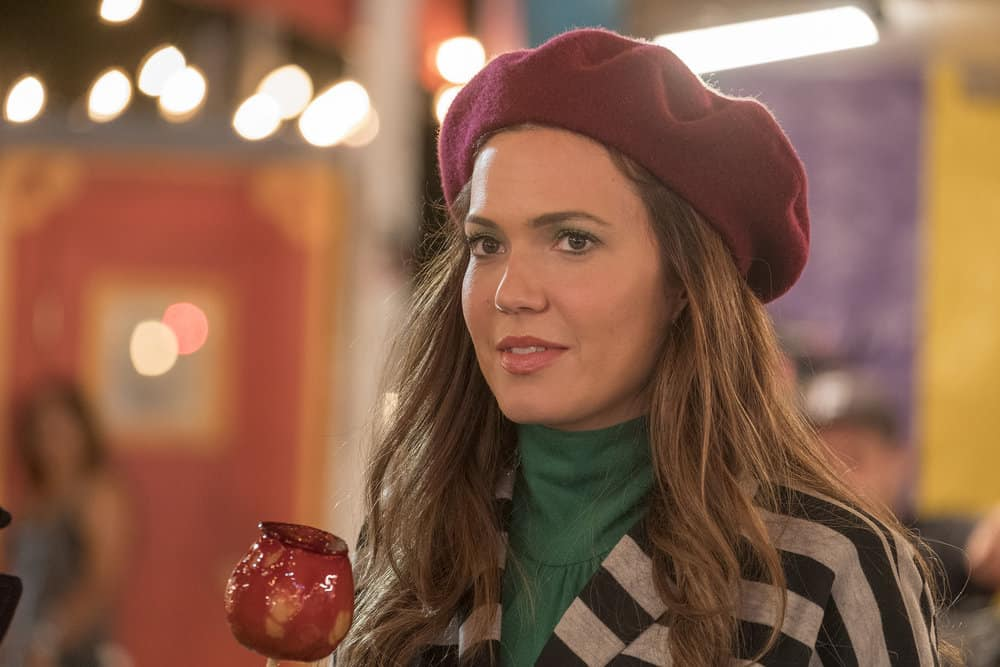 "THIS IS US -- ""Ave Maria"" Episode 301 -- Pictured: Mandy Moore as Rebecca -- (Photo by: Ron Batzdorff/NBC)"