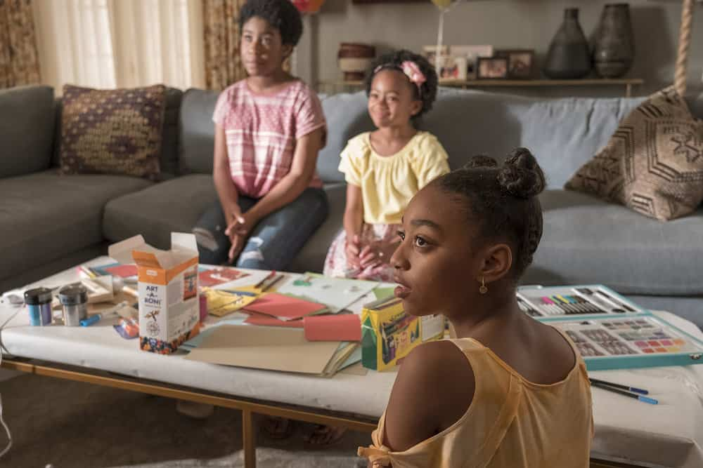 "THIS IS US -- ""Ave Maria"" Episode 301 -- Pictured: (l-r) Lyric Ross as Déjà, Faithe Herman as Annie, Eris Baker as Tess -- (Photo by: Ron Batzdorff/NBC)"