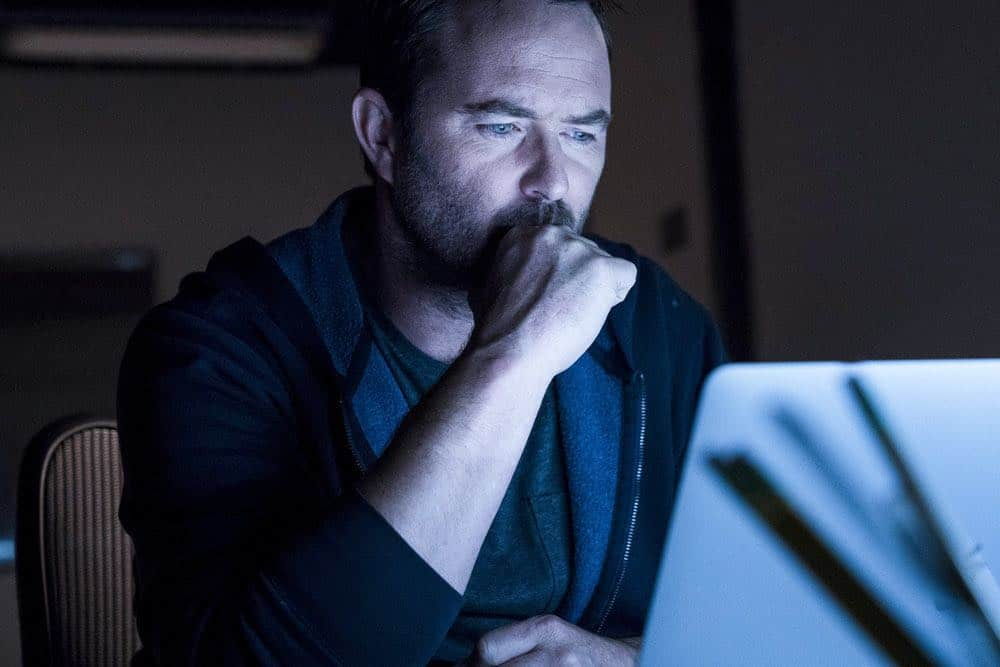 "BLINDSPOT -- ""Hella Duplicitous"" Episode 401 -- Pictured: Sullivan Stapleton as Kurt Weller -- (Photo by: Virginia Sherwood/NBC/Warner Bros.)"