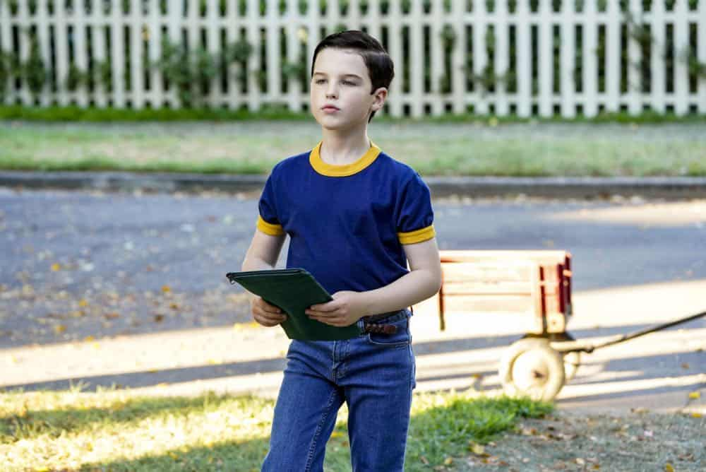 YOUNG SHELDON Season 2 Episode 1 A High Pitched Buzz and Training Wheels 19