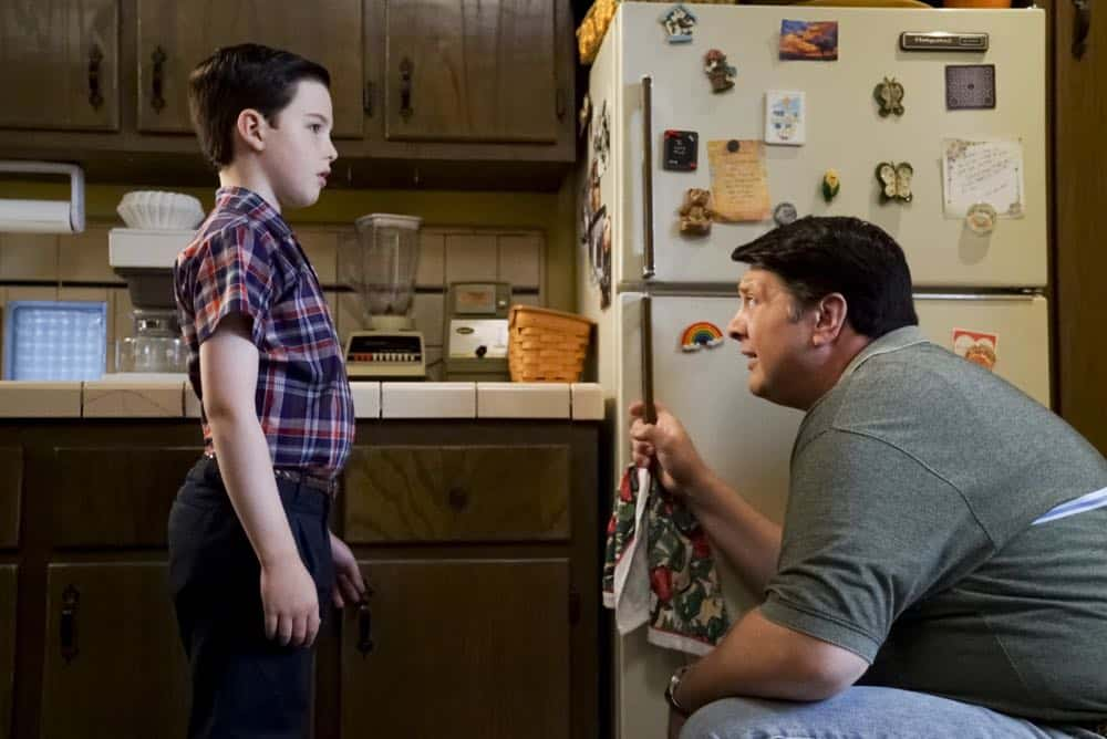 YOUNG SHELDON Season 2 Episode 1 A High Pitched Buzz and Training Wheels 04