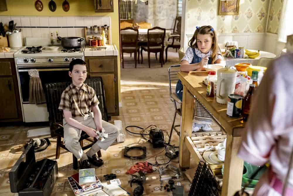 YOUNG SHELDON Season 2 Episode 1 A High Pitched Buzz and Training Wheels 08