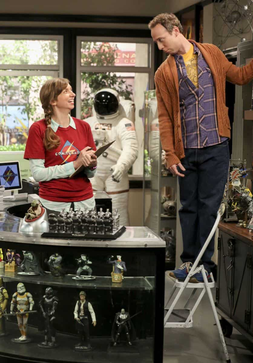 """The Wedding Gift Wormhole"" -- Pictured: Denise (Lauren Lapkus) and Stuart (Kevin Sussman. Sheldon and Amy drive themselves crazy trying to figure out what ""perfect gift"" Leonard and Penny gave them for their wedding. Also, Koothrappali decides he wants to settle down and asks his father to arrange a marriage for him, on THE BIG BANG THEORY, when it moves to its regular time slot, Thursday, Sept. 27 (8:00-8:31 PM, ET/PT) on the CBS Television Network. Photo: Michael Yarish/CBS ©2018 CBS Broadcasting, Inc. All Rights Reserved."