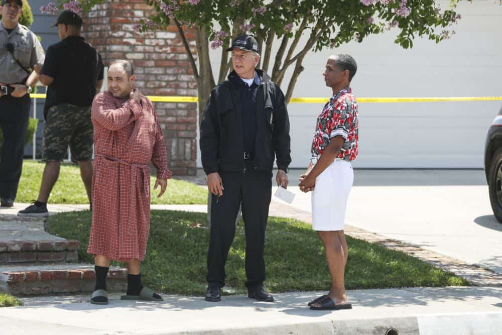 """Love Thy Neighbor"" - After a Navy lieutenant is found murdered in his hot tub, the team interviews several families in the victimÕs peculiar neighborhood. Also, Torres must face the consequences after a volatile night out with Palmer, on NCIS, Tuesday, Oct. 2 (8:00-9:00 PM, ET/PT) on the CBS Television Network. Pictured: Mark Harmon. Photo: Michael Yarish/CBS ©2018 CBS Broadcasting, Inc. All Rights Reserved"