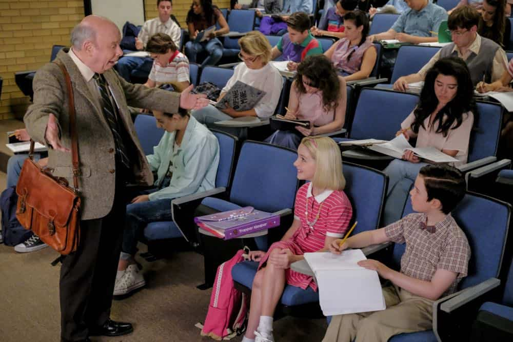 """A Rival Prodigy and Sir Isaac Neutron"" - Pictured:  Dr. John Sturgis (Wallace Shawn), Paige (McKenna Grace) and Sheldon (Iain Armitage). When Dr. Sturgis (Wallace Shawn) bonds with Paige (McKenna Grace), another ten year-old genius, Sheldon's jealousy leads Meemaw to intervene.  Also, Mary invites Paige's family over for a play date, when YOUNG SHELDON airs in its regular time slot, Thursday, Sept. 27 (8:31-9:01 PM, ET/PT) on the CBS Television Network. Photo: Darren Michaels/Warner Bros. Entertainment Inc. © 2018 WBEI. All rights reserved."