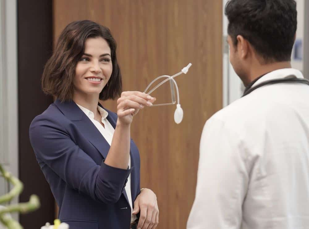 THE RESIDENT Season 2 Episode 2 The Prince And The Pauper 20