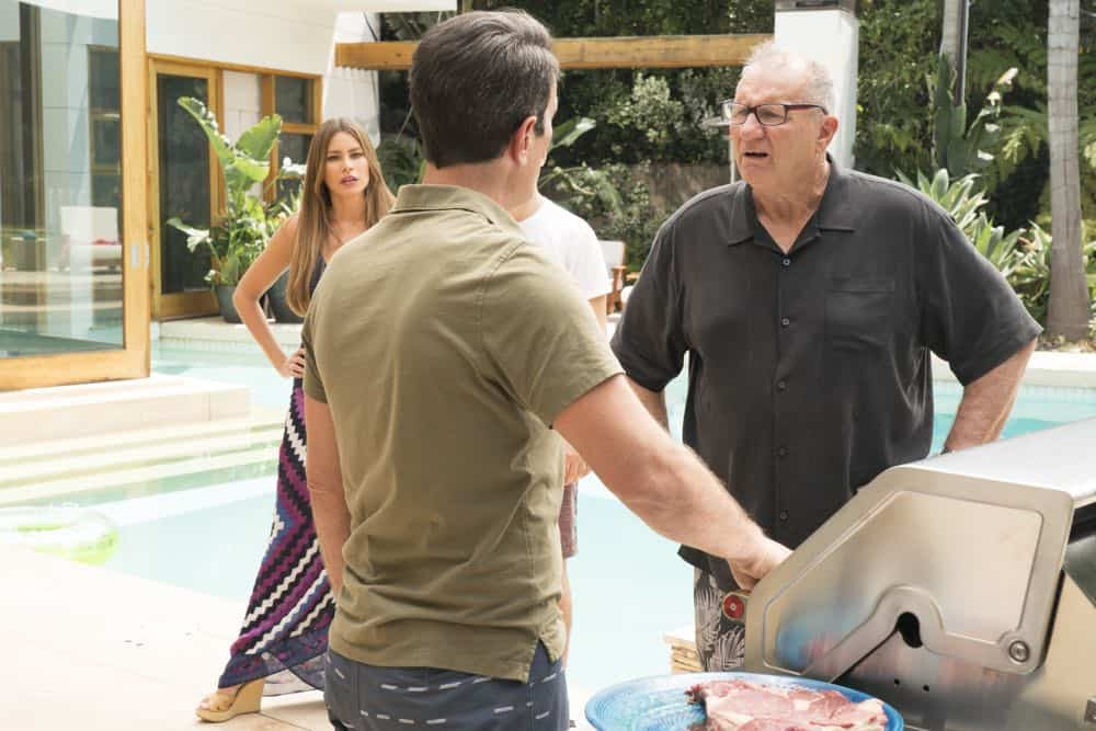 "MODERN FAMILY - ""Kiss and Tell"" - Haley needs a little help deciding whether or not to tell Arvin about her kiss with Dylan and goes to Mitch and Cam for their advice. Meanwhile, Gloria suspects Manny's Canadian girlfriend is made up and wants to find out the real truth, on ""Modern Family,"" WEDNESDAY, OCT. 3 (9:00-9:31 p.m. EDT), on The ABC Television Network. (ABC/Ron Tom) SOFIA VERGARA, ED O'NEILL"