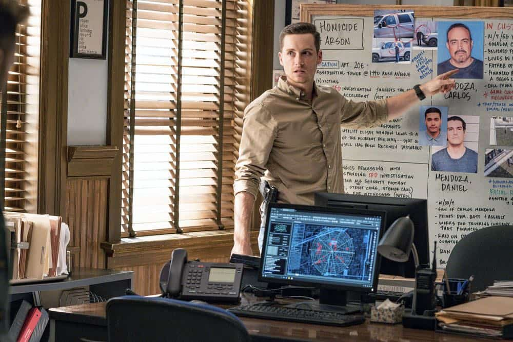 "CHICAGO P.D. -- ""Endings"" Episode 603 -- Pictured: Jesse Lee Soffer as Jay Halstead -- (Photo by: Matt Dinerstein/NBC)"