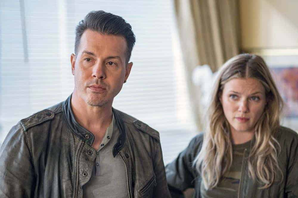 "CHICAGO P.D. -- ""Endings"" Episode 602 -- Pictured: (l-r) Jon Seda as Antonio Dawson, Tracy Spiridakos as Hailey Upton -- (Photo by: Matt Dinerstein/NBC)"