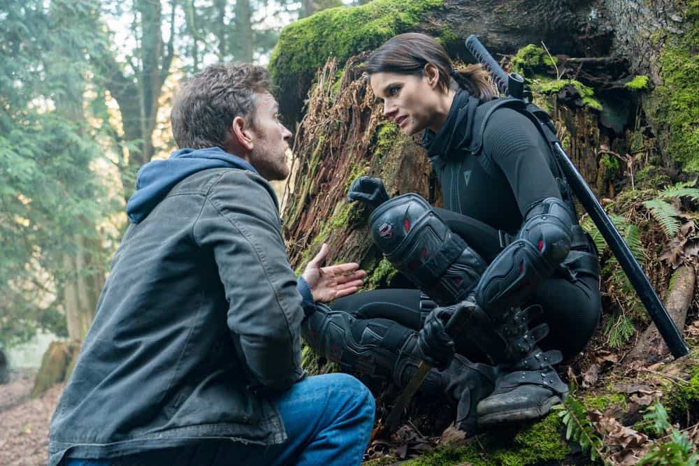 "VAN HELSING -- ""Fresh Tendrils"" Episode 301 -- Pictured: (l-r) Jonathan Scarfe as Axel Miller, Missy Peregrym as Scarlett Harker -- (Photo by: Dan Power/Nomadic Pictures Inc./SYFY)"