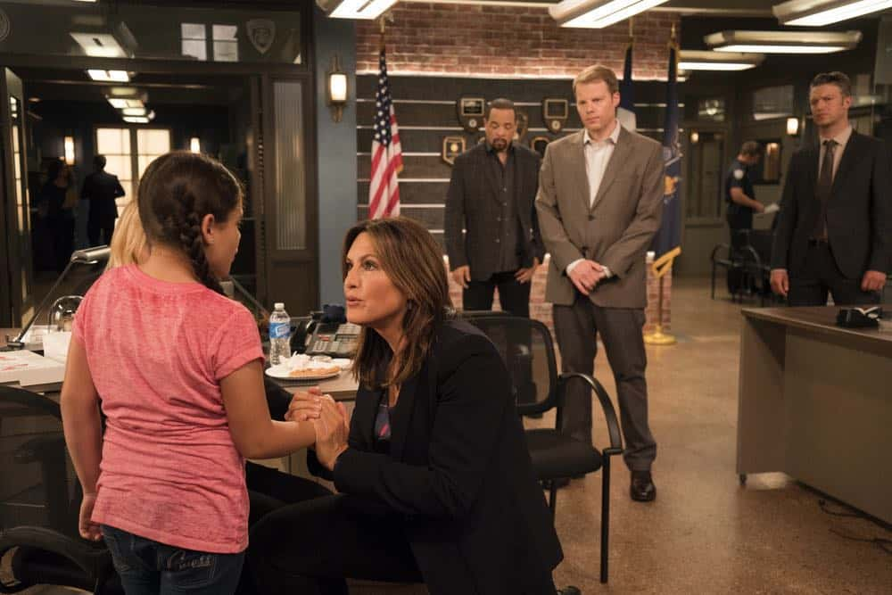 "LAW & ORDER: SPECIAL VICTIMS UNIT -- ""Zero Tolerance"" Episode 2002 -- Pictured: (l-r) Scarlet Daisy Lopez as Gabriela Sosa, Mariska Hargitay as Lieutenant Olivia Benson, Ice T as Odafin ""Fin"" Tutuola, Andy Powers as Jeff Philips, Peter Scanavino as Dominick ""Sonny"" Carisi -- (Photo by: Barbara Nitke/NBC)"