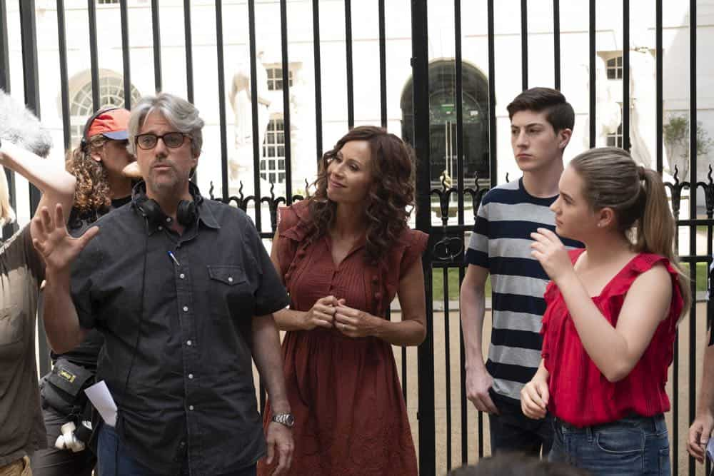 Speechless Season 3 Episode 1 London Part 1 44
