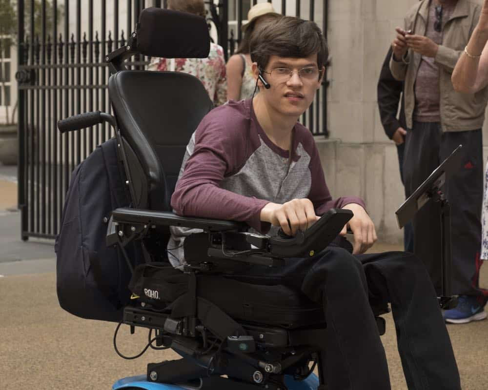 Speechless Season 3 Episode 1 London Part 1 35
