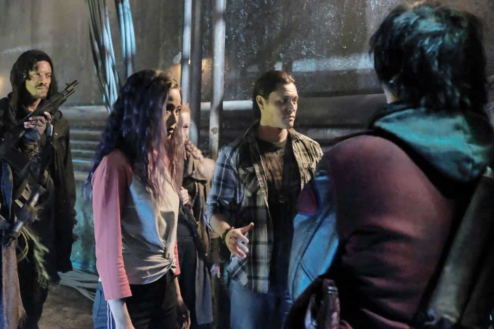 """THE GIFTED: L-R:  Jamie Chung and Blair Redford in the """"coMplications"""" episode of THE GIFTED airing Tuesday, Oct. 9 (8:00-9:00 PM ET/PT) on FOX. ©2018 Fox Broadcasting Co. Cr: Guy D'Alema/FOX."""