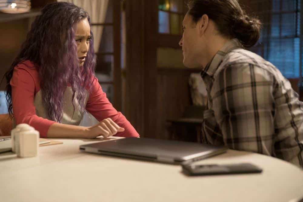 """THE GIFTED: L-R:  Jamie Chung and Blair Redford in the """"coMplications"""" episode of THE GIFTED airing Tuesday, Oct. 9 (8:00-9:00 PM ET/PT) on FOX. ©2018 Fox Broadcasting Co. Cr: Annette Brown/FOX."""