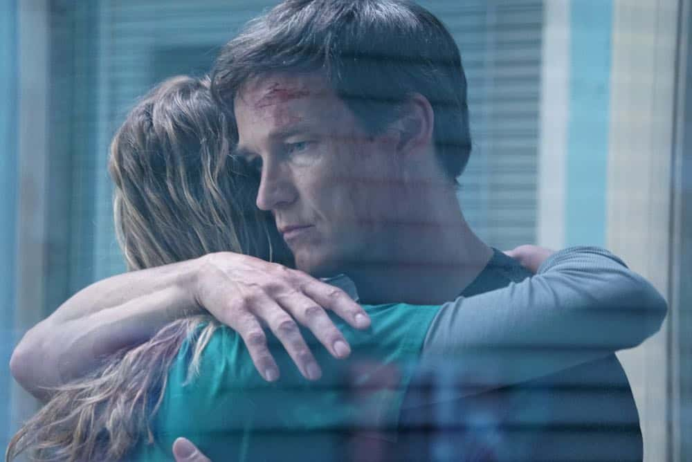 """THE GIFTED: L-R:  Amy Acker and Stephen Moyer in the """"coMplications"""" episode of THE GIFTED airing Tuesday, Oct. 9 (8:00-9:00 PM ET/PT) on FOX. ©2018 Fox Broadcasting Co. Cr: Annette Brown/FOX."""