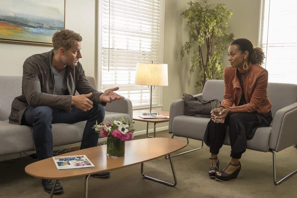 "THIS IS US -- ""Katie Girls"" Episode 303 -- Pictured: (l-r) Justin Hartley as Kevin Pearson, Melanie Liburd as Zoe -- (Photo by: Ron Batzdorff/NBC)"