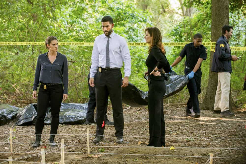 """Prey"" -- Special Agent Maggie Bell, Special Agent OA Zidan and the team investigate the murders of 18 young women with help from a survivor associated with the deceased, on FBI, Tuesday, Oct. 9 (9:00-10:00 PM, ET/PT) on the CBS Television Network. Pictured: Missy Peregrym, Zeeko Zaki, Sela Ward Photo: Jeffrey Neira/CBS ©2018 CBS Broadcasting, Inc. All Rights Reserved"