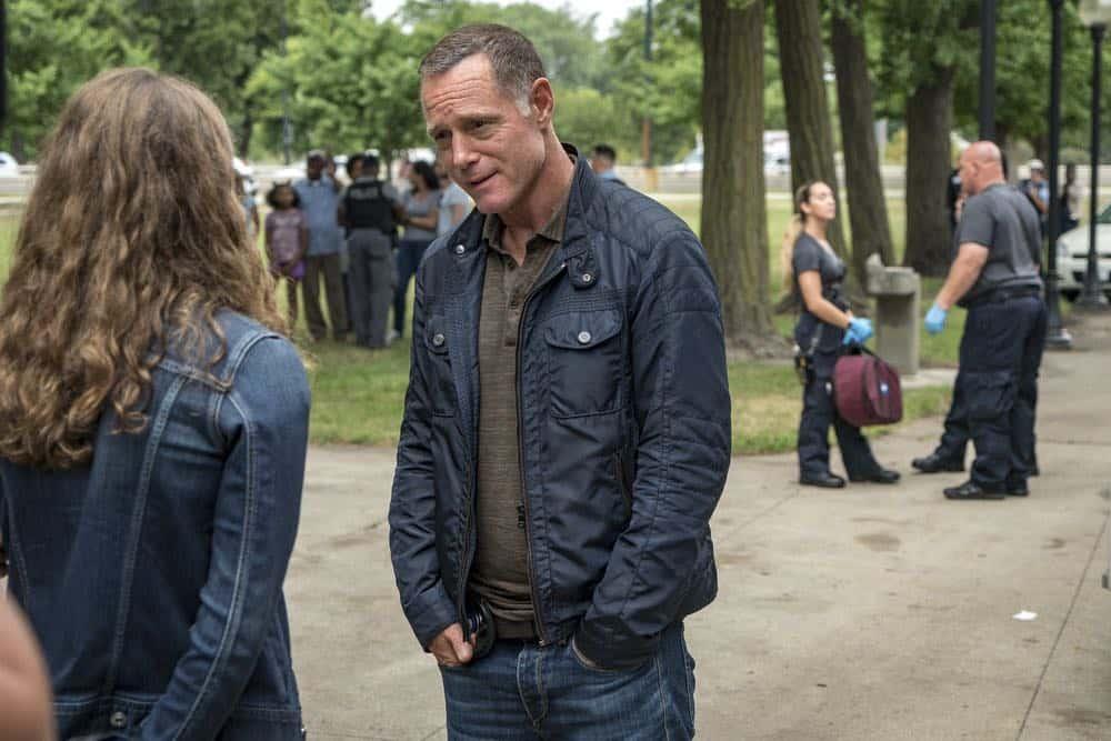 """CHICAGO P.D. -- """"Bad Boys"""" Episode 603 -- Pictured: Jason Beghe as Hank Voight -- (Photo by: Matt Dinerstein/NBC)"""