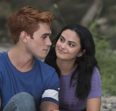 "Riverdale -- ""Chapter Thirty-Six: Labor Day"" -- Image Number: RVD301a_0304.jpg -- Pictured (L-R): KJ Apa as Archie and Camila Mendes as Veronica -- Photo: Katie Yu/The CW -- © 2018 The CW Network, LLC. All Rights Reserved."