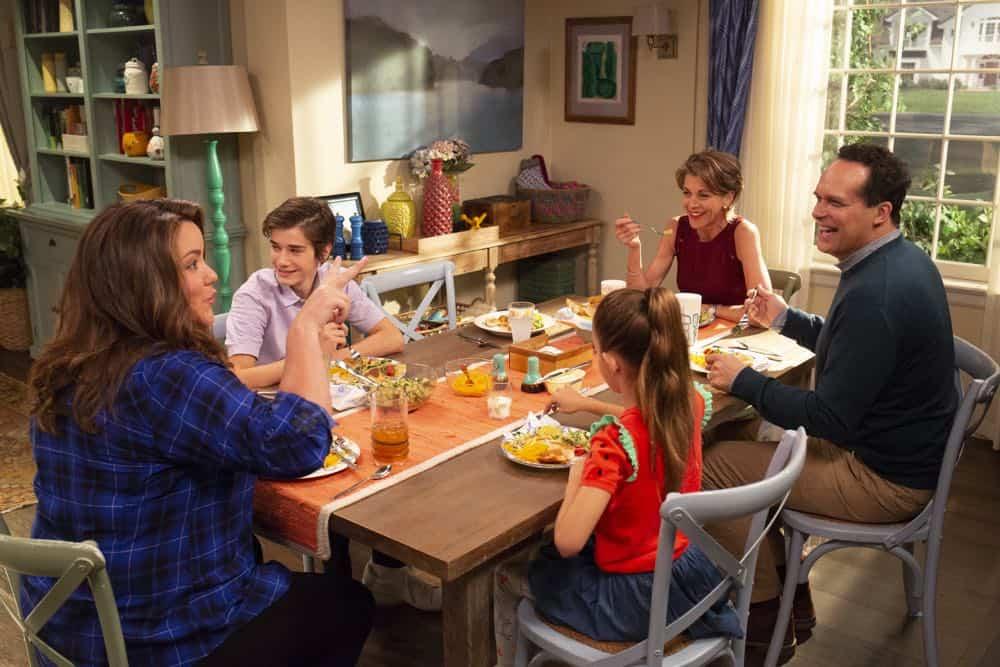 AMERICAN HOUSEWIFE Season 3 Episode 3 Cheaters Sometimes Win 02
