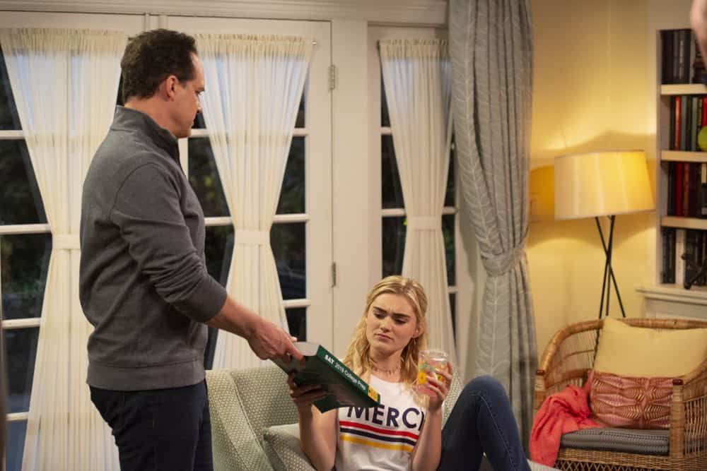 AMERICAN HOUSEWIFE Season 3 Episode 3 Cheaters Sometimes Win 13