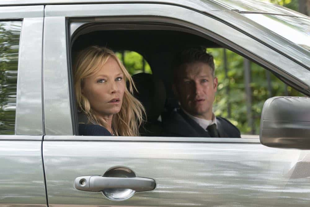 """LAW & ORDER: SPECIAL VICTIMS UNIT -- """"Revenge"""" Episode 2004 -- Pictured: (l-r) Kelli Giddish as Detective Amanda Rollins, Peter Scanavino as Dominick """"Sonny"""" Carisi -- (Photo by: Barbara Nitke/NBC)"""