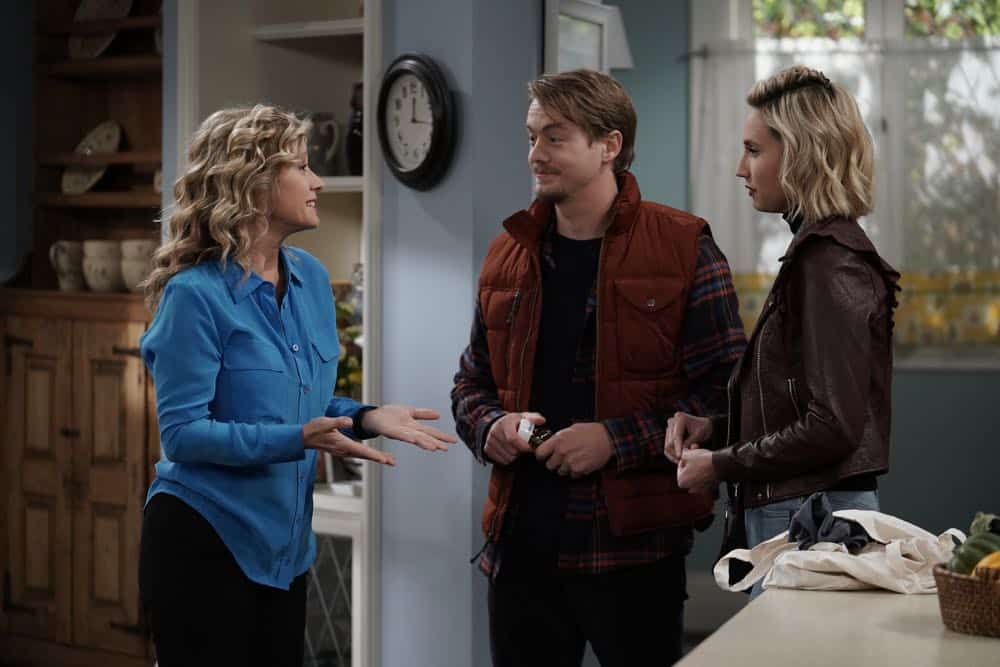 "LAST MAN STANDING: L-R: Nancy Travis, Christoph Sanders and Molly McCook in the ""Giving Mike The Business"" episode of LAST MAN STANDING airing Friday, Oct. 12 (8:00-8:30 PM ET/PT) on FOX. © 2018 FOX Broadcasting. CR: Michael Becker / FOX."
