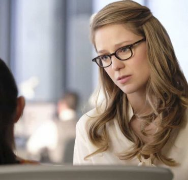 """Supergirl -- """"American Alien"""" -- Image Number: SPG401a_0450b.jpg -- Pictured (L-R): Nicole Maines as Nia Nal and Melissa Benoist as Kara/Supergirl -- Photo: Bettina Strauss/The CW -- © 2018 The CW Network, LLC. All Rights Reserved."""