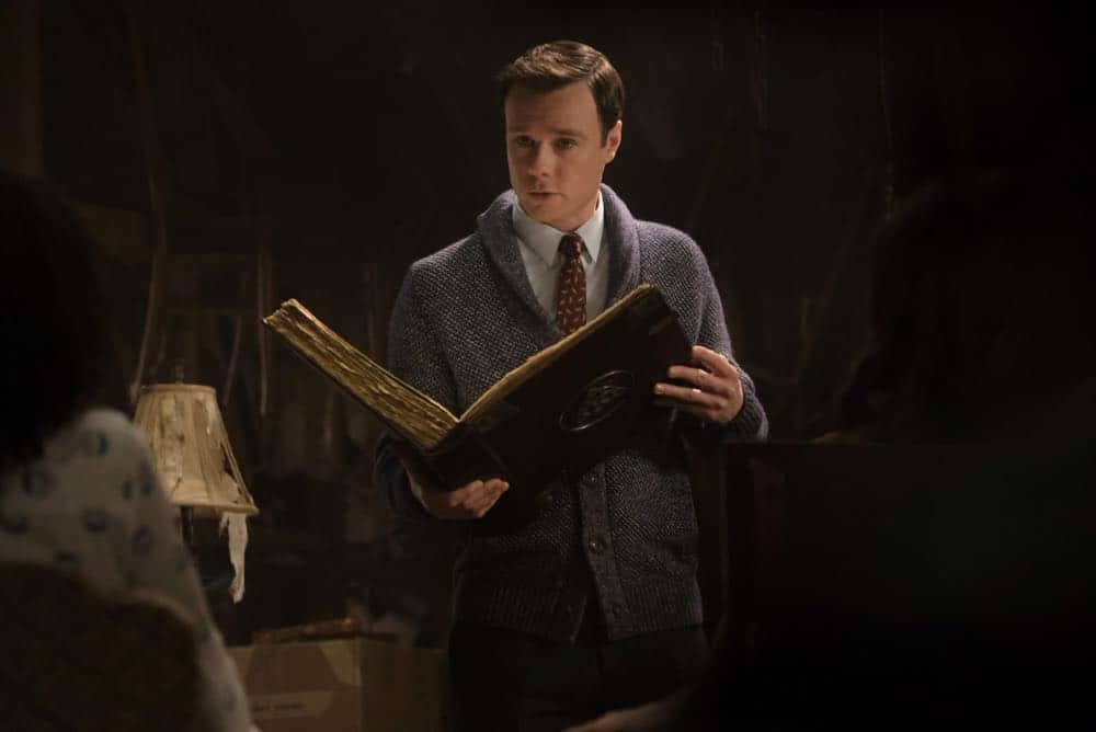 """Charmed -- """"Pilot""""-- Image Number: CMD101c_0178.jpg -- Pictured: Rupert Evans as Harry Greenwood -- Photo: Katie Yu/The CW -- © 2018 The CW Network, LLC. All Rights Reserved."""