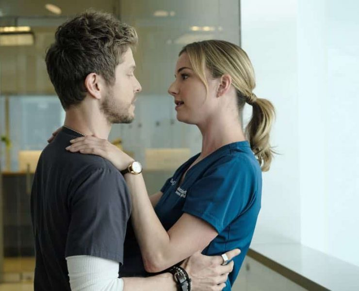 """THE RESIDENT: L-R: Matt Czuchry and Emily VanCamp in the """"About Time"""" episode of THE RESIDENT airing Monday, Oct. 15 (8:00-9:00 PM ET/PT) on FOX. ©2018 Fox Broadcasting Co. Cr: Guy D'AlemaFOX."""