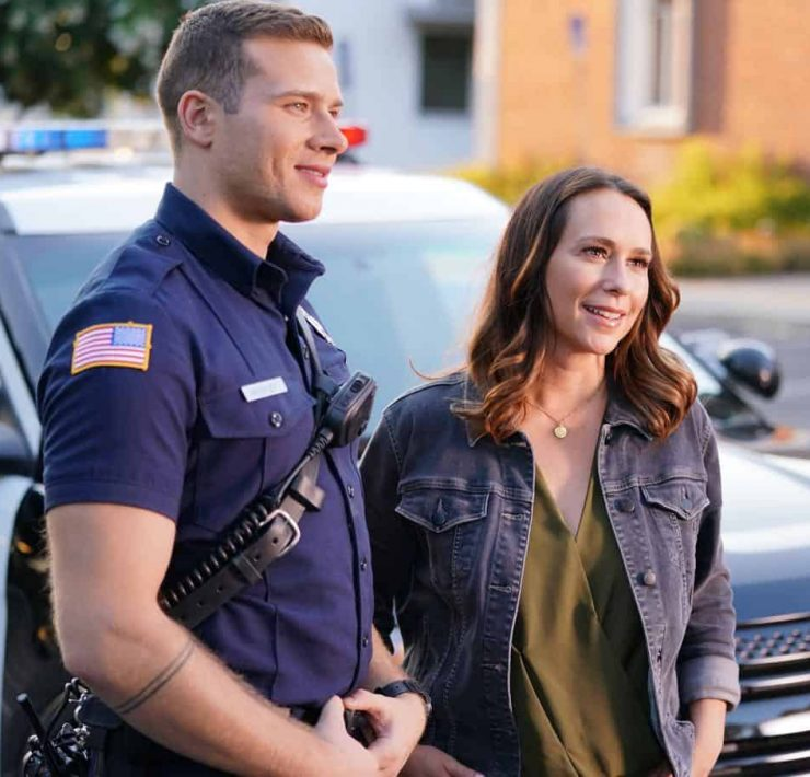 """9-1-1: L-R: Oliver Stark and Jennifer Love Hewitt in the """"Awful People"""" episode of 9-1-1 airing Monday, Oct. 15 (9:00-10:00 PM ET/PT) on FOX. © 2018 FOX Broadcasting. CR: Tyler Golden / FOX."""