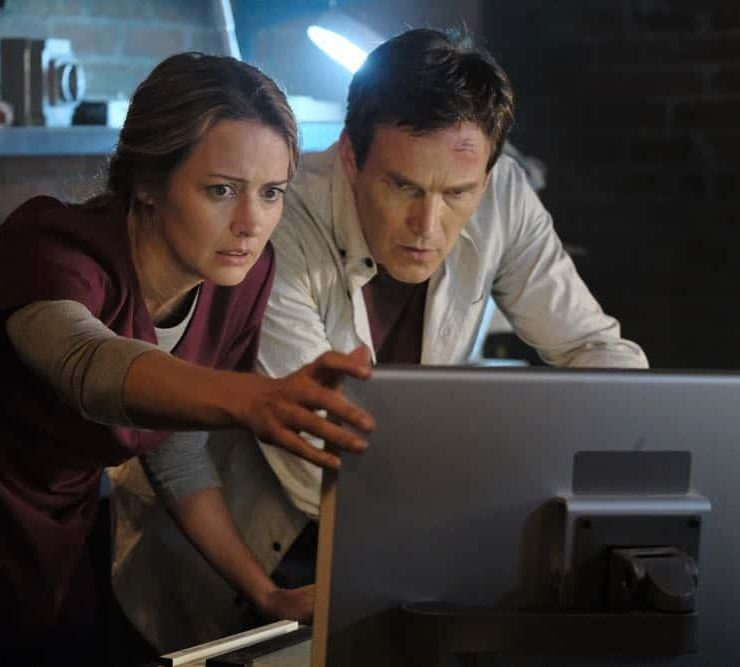 "THE GIFTED: L-R: Amy Acker and Stephen Moyer in the ""outMatched"" episode of THE GIFTED airing Tuesday, Oct. 16 (8:00-9:00 PM ET/PT) on FOX. ©2018 Fox Broadcasting Co. Cr: Guy D'Alema/FOX."