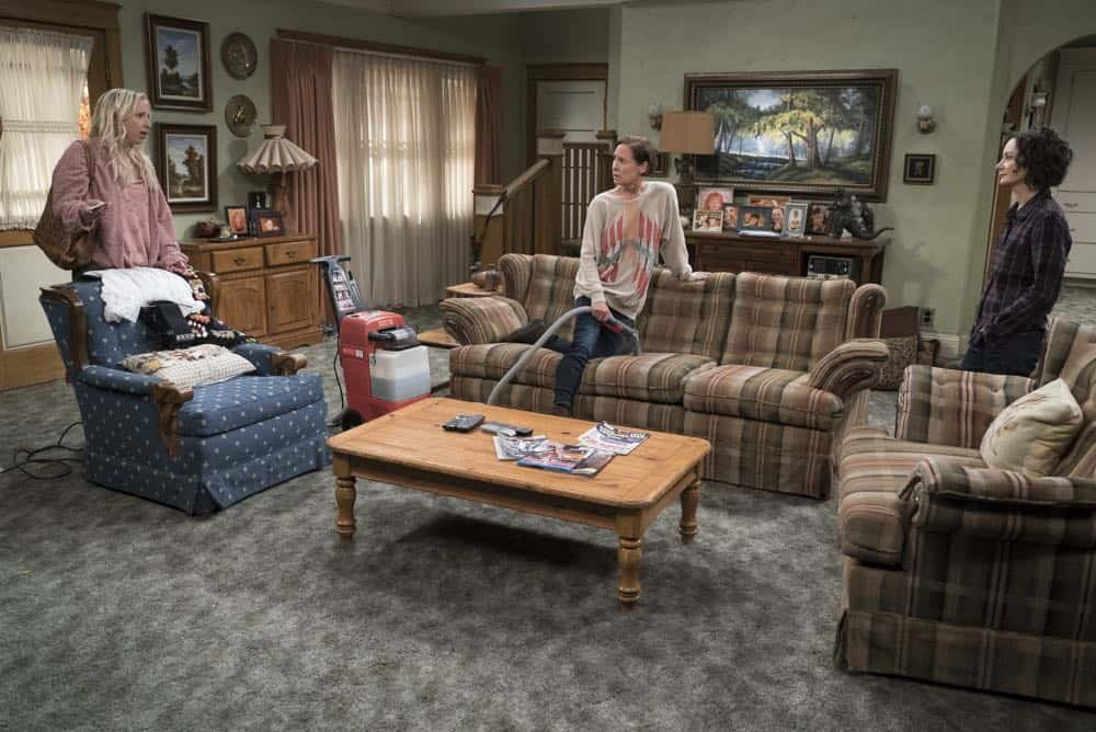 THE CONNERS Season 1 Episode 1 Keep On Truckin 35