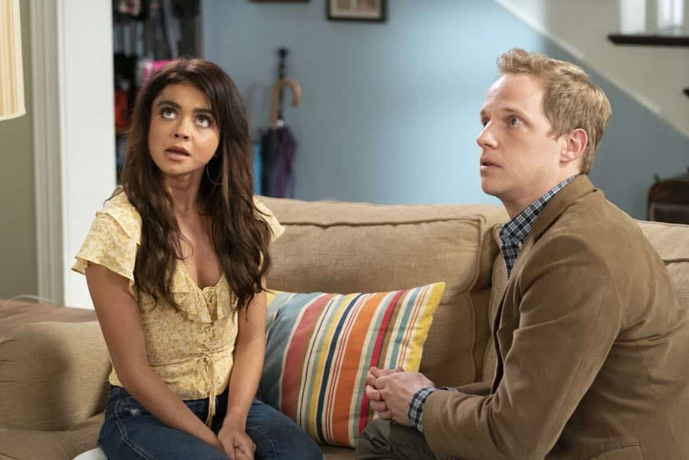 """MODERN FAMILY - """"Torn Between Two Lovers"""" - Haley can't seem to choose between her past and present relationships and is forced to make a decision. Meanwhile, Manny returns to college and dorm life while his girlfriend, Sherry, continues to stay at Jay and Gloria's, and might be overstaying her welcome, on """"Modern Family,"""" WEDNESDAY, OCT. 17 (9:00-9:31 p.m. EDT), on The ABC Television Network. (ABC/Ron Tom)"""