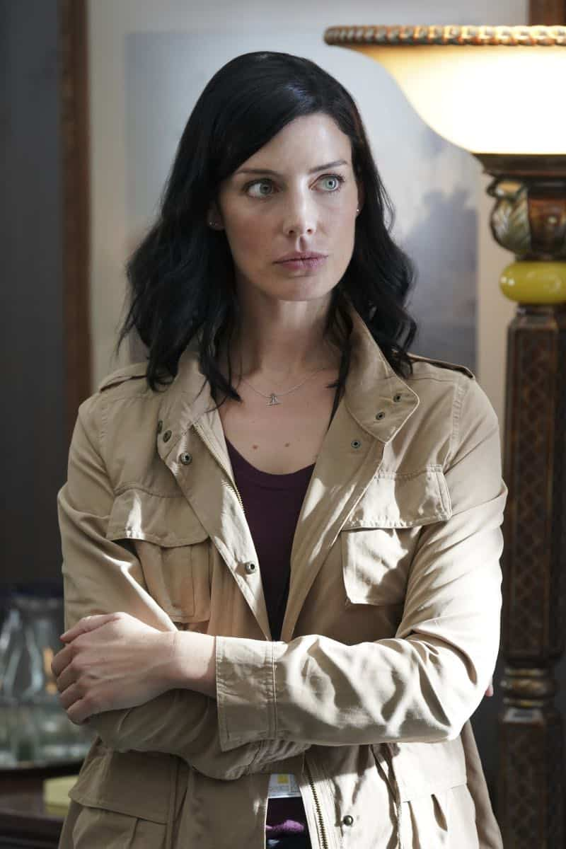"""The Worst of Conditions"" After tragedy strikes, Jason is faced with a huge decision regarding his future with Bravo Team, on SEAL TEAM, Wednesday, Oct. 17 (9:00-10:00 PM, ET/PT) on the CBS Television Network. Pictured: Jessica Pare' as Mandy Ellis. Photo: MontyBrinton/CBS ©2018 CBS Broadcasting, Inc. All Rights Reserved"