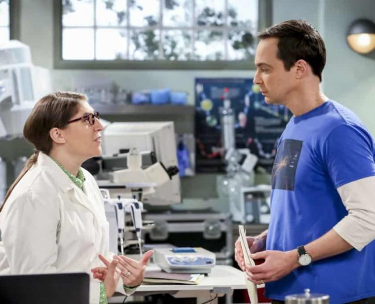 """The Planetarium Collision"" -- Pictured: Amy Farrah Fowler (Mayim Bialik) and Sheldon Cooper (Jim Parsons). When Amy doesn't have time to work on super-asymmetry, Sheldon goes to great lengths to ensure she's available to work with him even it if means accidentally sabotaging her career in the process. Also, Koothrappali doesn't want Wolowitz to join him in hosting a show at the planetarium, on THE BIG BANG THEORY, Thursday, Oct. 18 (8:00-8:31 PM, ET/PT) on the CBS Television Network. Emmy Award winner Bob Newhart returns as Arthur Jeffries. Photo: Michael Yarish/Warner Bros. Entertainment Inc. © 2018 WBEI. All rights reserved."