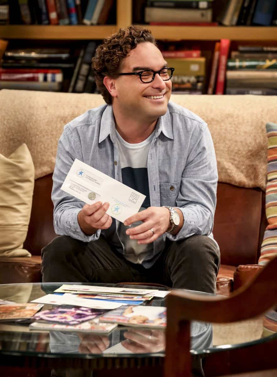 """The Planetarium Collision"" -- Pictured: Leonard Hofstadter (Johnny Galecki). When Amy doesn't have time to work on super-asymmetry, Sheldon goes to great lengths to ensure she's available to work with him even it if means accidentally sabotaging her career in the process. Also, Koothrappali doesn't want Wolowitz to join him in hosting a show at the planetarium, on THE BIG BANG THEORY, Thursday, Oct. 18 (8:00-8:31 PM, ET/PT) on the CBS Television Network. Emmy Award winner Bob Newhart returns as Arthur Jeffries. Photo: Michael Yarish/Warner Bros. Entertainment Inc. © 2018 WBEI. All rights reserved."